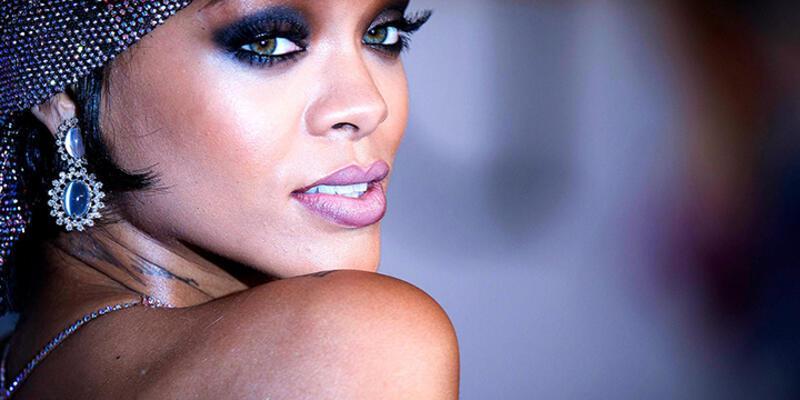 Rihanna yine zirvede!
