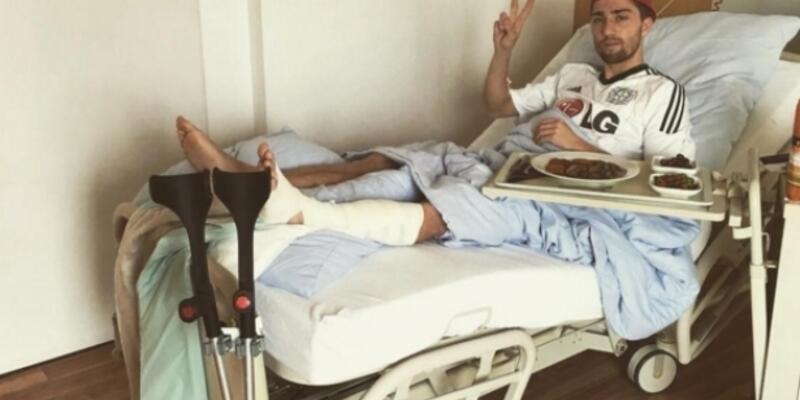 Kevin Kampl'ın baldır kemiği kırıldı