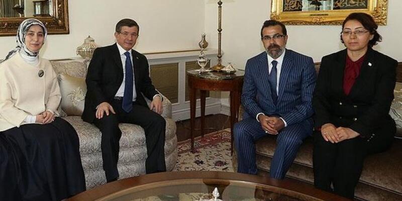 Başbakan Davutoğlu Özgecan'ın ailesini kabul etti