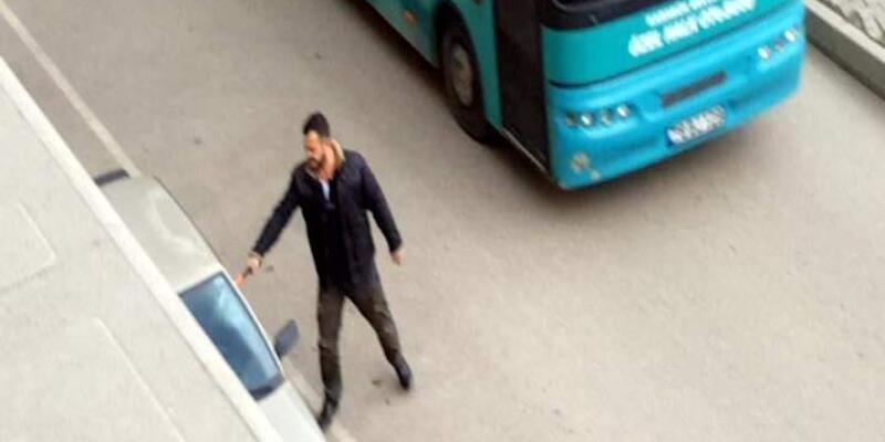 Karabük'te baltalı saldırgan park halindeki araçlara saldırdı
