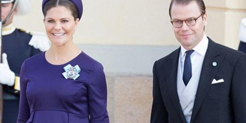 İsveçli feministler, kraliyet bebeğinin erkek olmasına sevinenlere tepkili