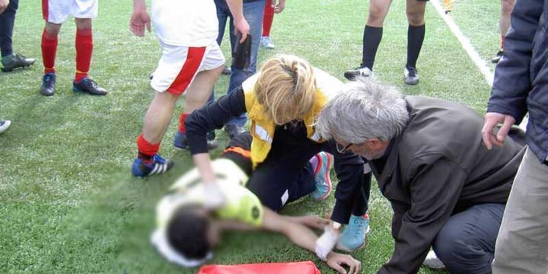 Aday hakem, maç sırasında kalp krizi geçirip öldü