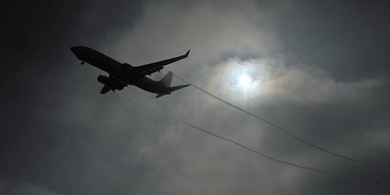 Pilot, ayrılmak isteyen karısını uçağı düşürmekle tehdit etti