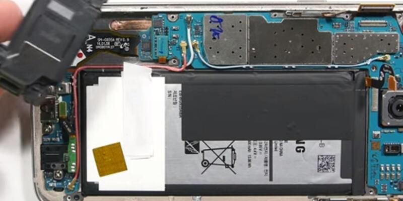 Galaxy S7 Edge'in içini merak ediyor musunuz ?
