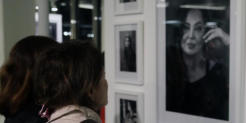 """""""Perdedeki Kadınlar"""" fotoğraf sergisi açıldı"""