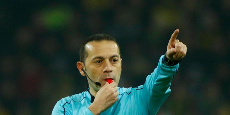 Cüneyt Çakır'a 'Yılın Futbol Hakemi' ödülü