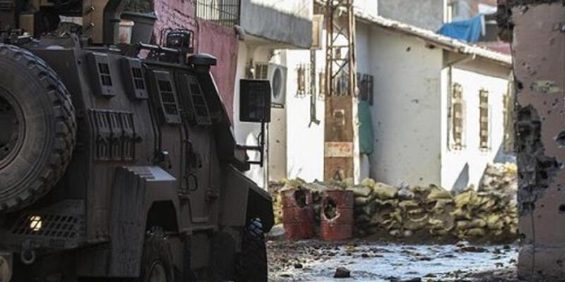 Sur'da çatışma: 7 terörist ölü ele geçirildi
