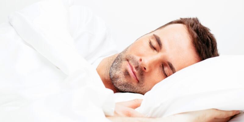 """""""Uyku apnesi tedavi edilmezse ani ölümlere yol açabilir"""""""