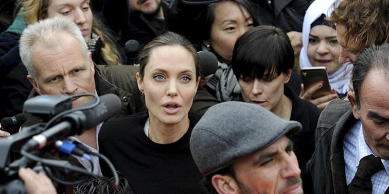 Angelina Jolie Yunanistan'da