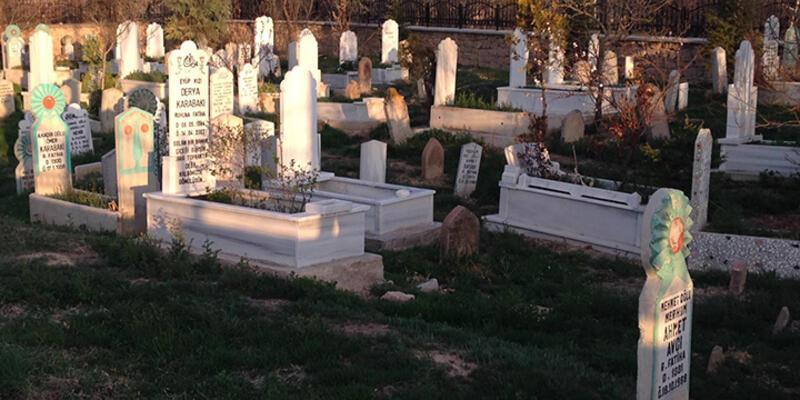 Mezarlıkta kesik bacak paniği