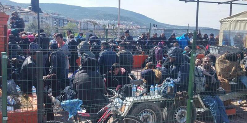 AB ile anlaşma sonrası denetimler arttı, 320 göçmen yakalandı