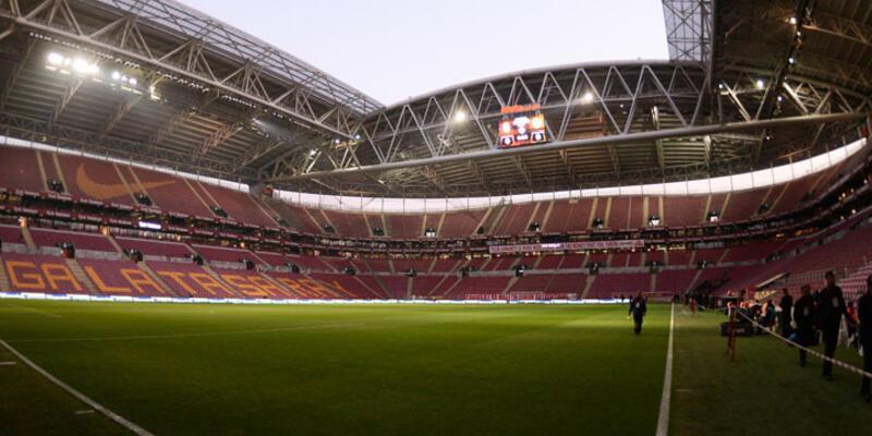 Galatasaray - Fenerbahçe derbisi ertelendi
