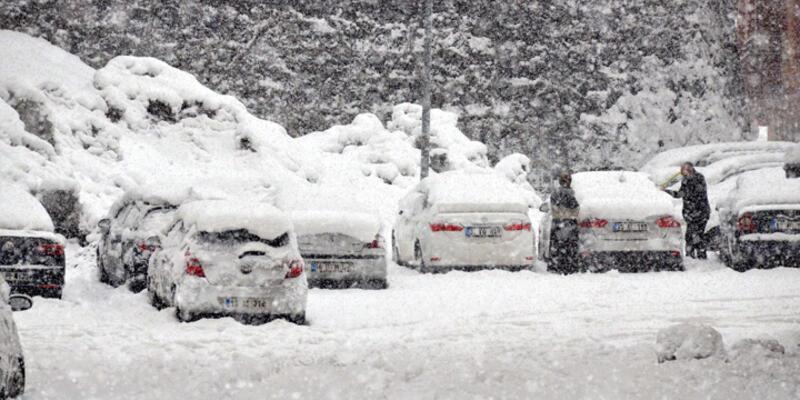Doğu'da kar ve tipi etkili oluyor