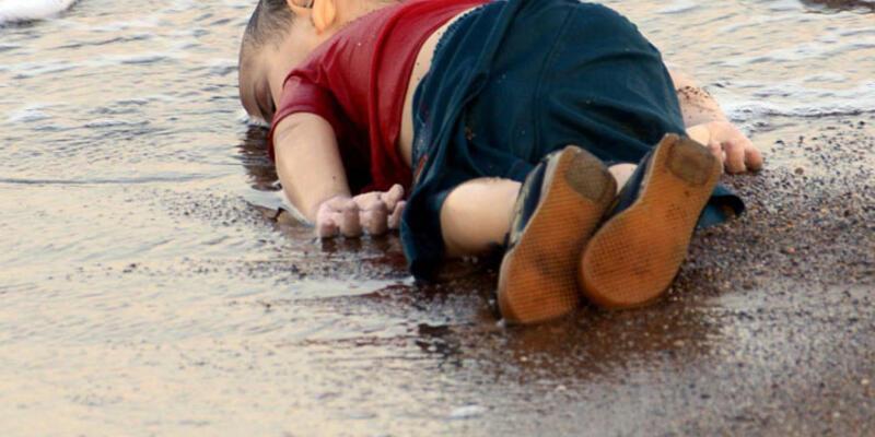 """""""Aylan bebek"""" yılın fotoğrafı seçildi"""