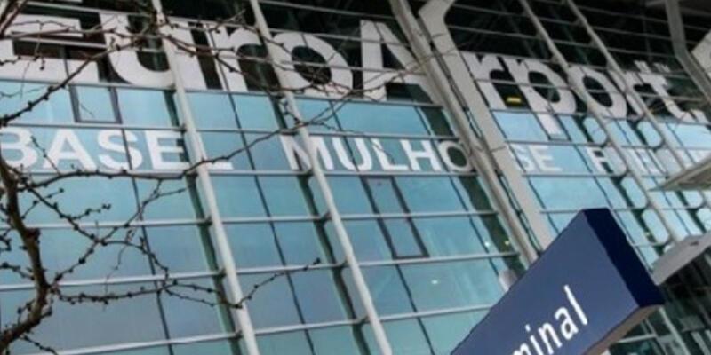 İki türk İsviçre havalimanında altınlarla yakalandı