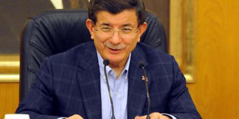 Başbakan Davutoğlu telsizden polisleri kutladı