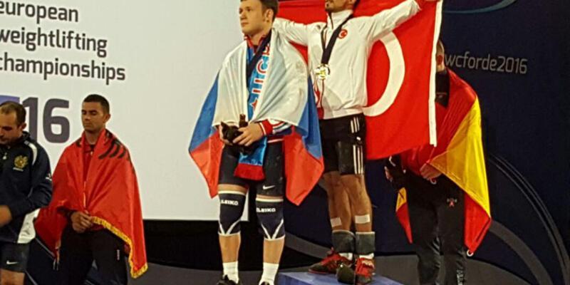 Milli halterciden 3 altın madalya!