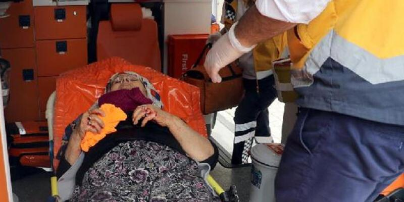 66 yaşındaki kadın, annesini bıçakladı