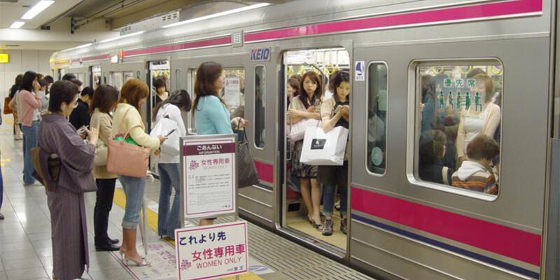 Kadınlara özel vagon için anket yaptırıyorlar