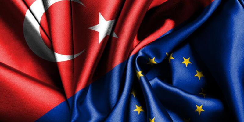 AB'den Türkiye'ye vizesiz seyahat uyarısı