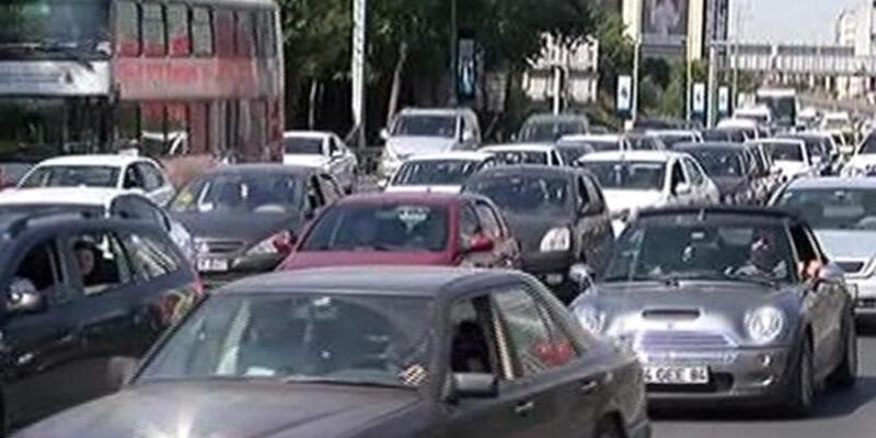 İstanbul'da pazar trafiği felç oldu