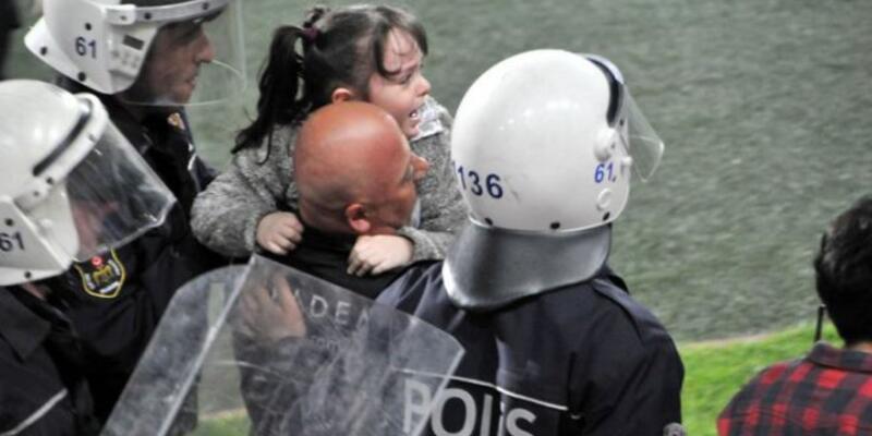 Fenerbahçe soyunma odasına girmek istemeyen küçük kız