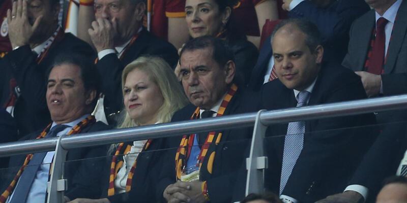 Galatasaray'da şampiyonluk sonrası 'istifa' tezahuratları