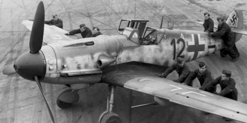 Hitler ordusunun savaş uçağı İstanbul'da