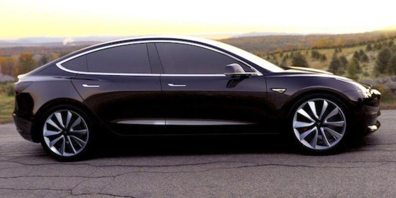 Tesla Model 3'ün spor otomobillere tur bindirecek özellikleri