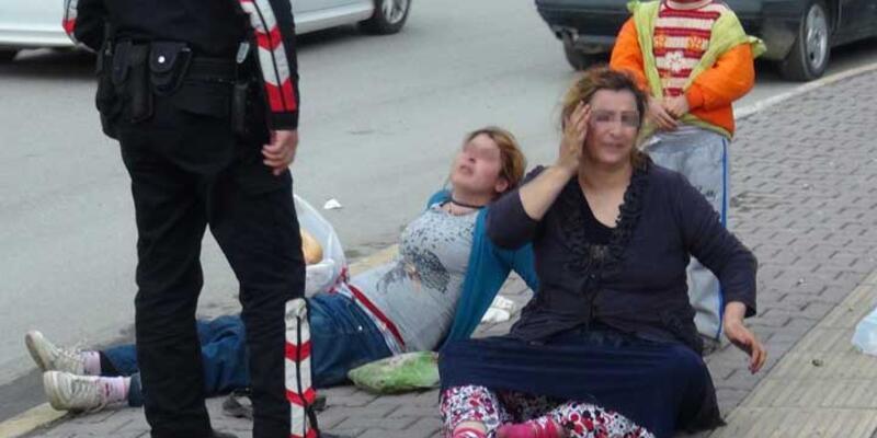 Sokak ortasında iki kadını tekme tokat dövdü