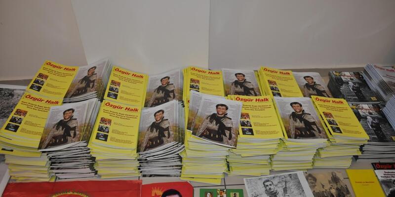 Polisten HDP Bayraklı ilçe örgütüne baskın