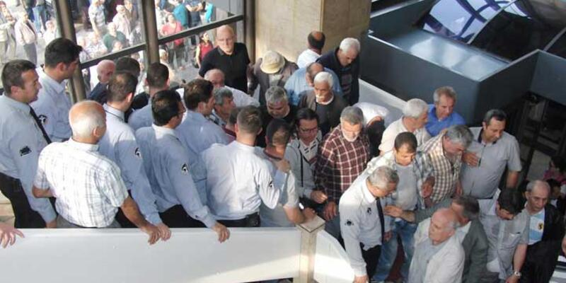 Büyükşehir merdivenlerinde arbede