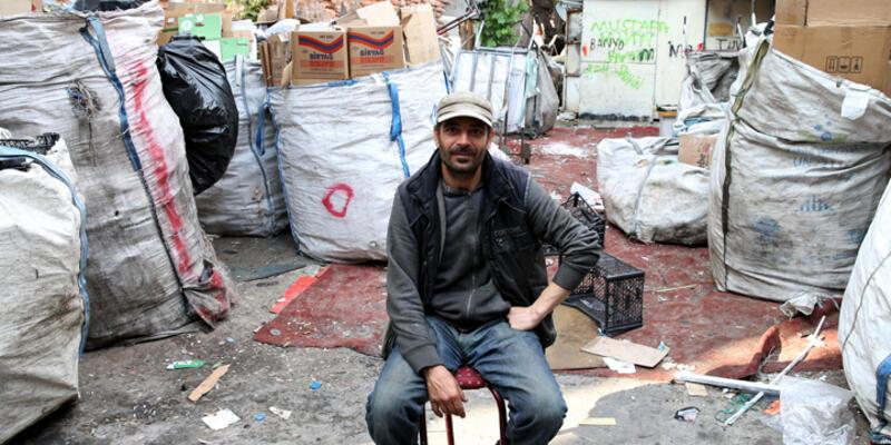 5 dil bilen Suriyeli kağıt toplayarak geçiniyor