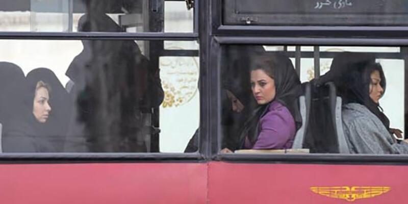 İran'da başörtüsüz fotoğraf paylaşan modeller tutuklandı