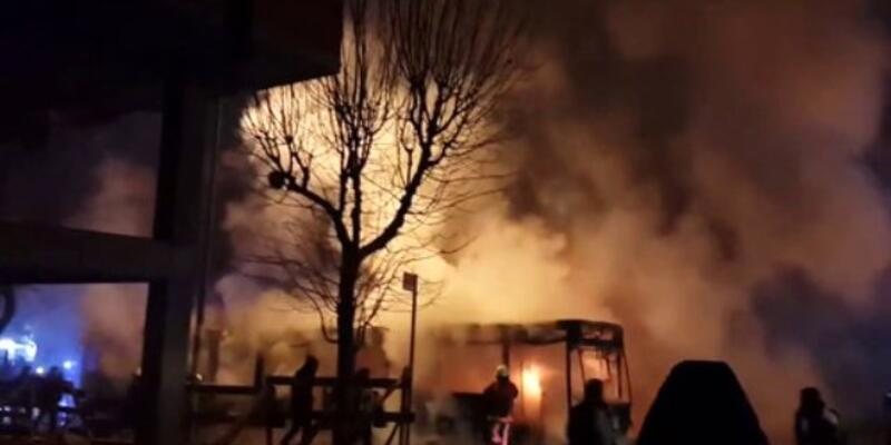 Sultangazi'de belediye otobüsü yaktılar