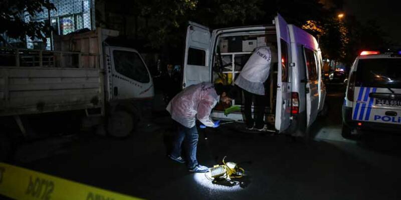 Bayrampaşa'da polise bıçaklı saldırı