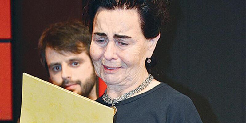 Fatma Girik gözyaşlarını tutamadı