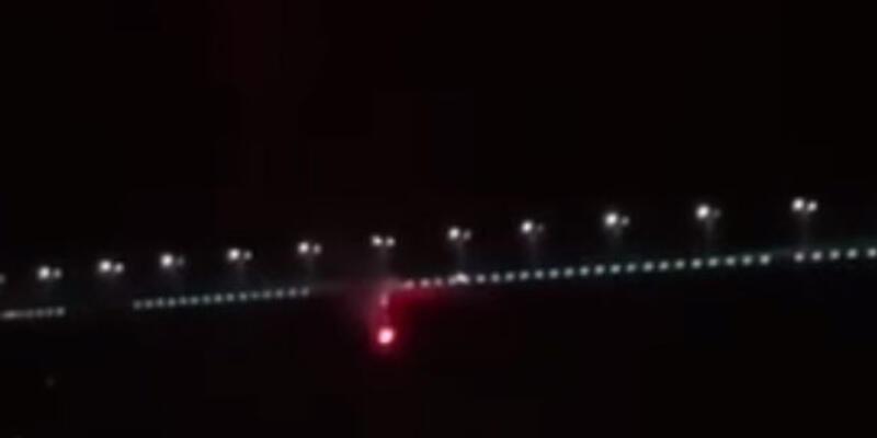 Boğaziçi Köprüsü'ndeki Beşiktaş bayrağı yakıldı!