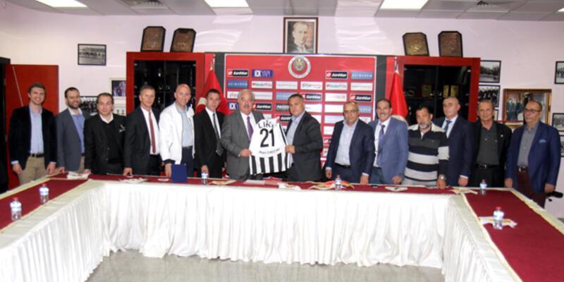 Gençlerbirliği Kulusic ve Skulason'la sözleşme yeniledi