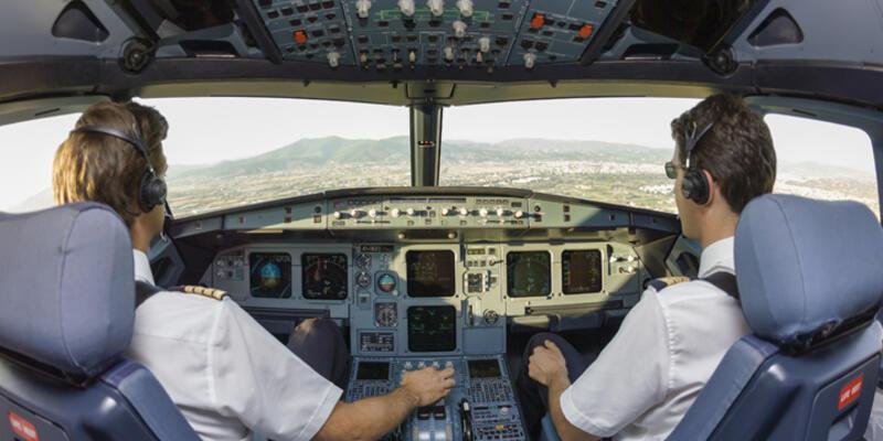 THY pilotları: Üstümüzden yeşil ışık saçan bir cisim geçti