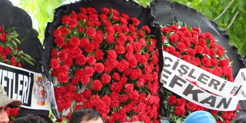 Şehit cenazesinde Kılıçdaroğlu çelengine tepki