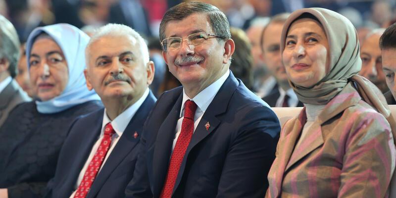 AK Parti'de yeni genel başkan Binali Yıldırım oldu