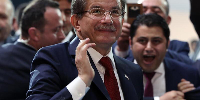 Başbakan Davutoğlu'ndan Twitter mesajı