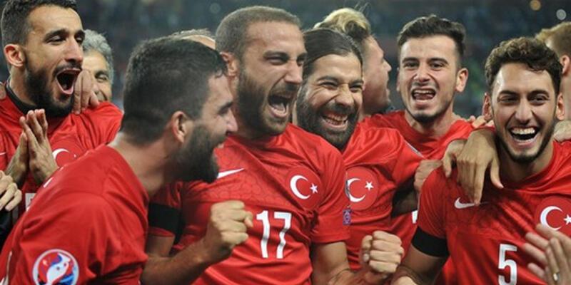 İngiltere-Türkiye maçında ilk 11'ler belli oldu