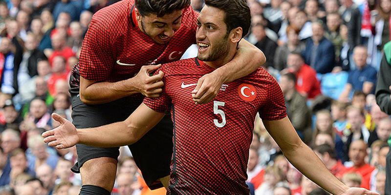 Tarihi golü atan Hakan Çalhanoğlu gururlu