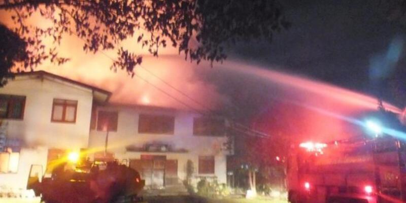 Tayland'da kız yurdunda yangın: 18 öğrenci öldü