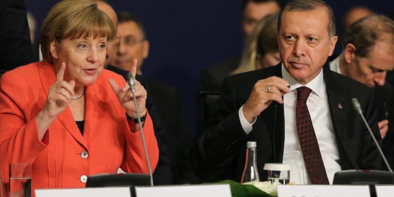 Merkel'den Erdoğan'a vize muafiyeti uyarısı