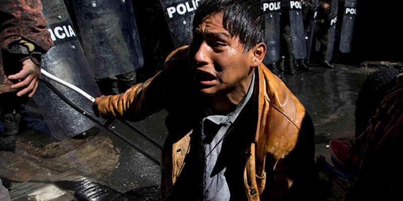 Bolivya polisinden engelli göstericilere müdahale