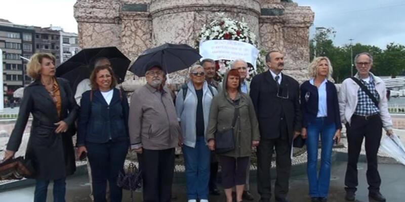 68'liler Vakfı'ndan Taksim'de 27 Mayıs anması