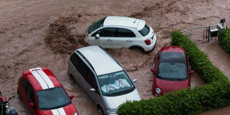 Almanya'da aşırı yağışlar 3 can aldı